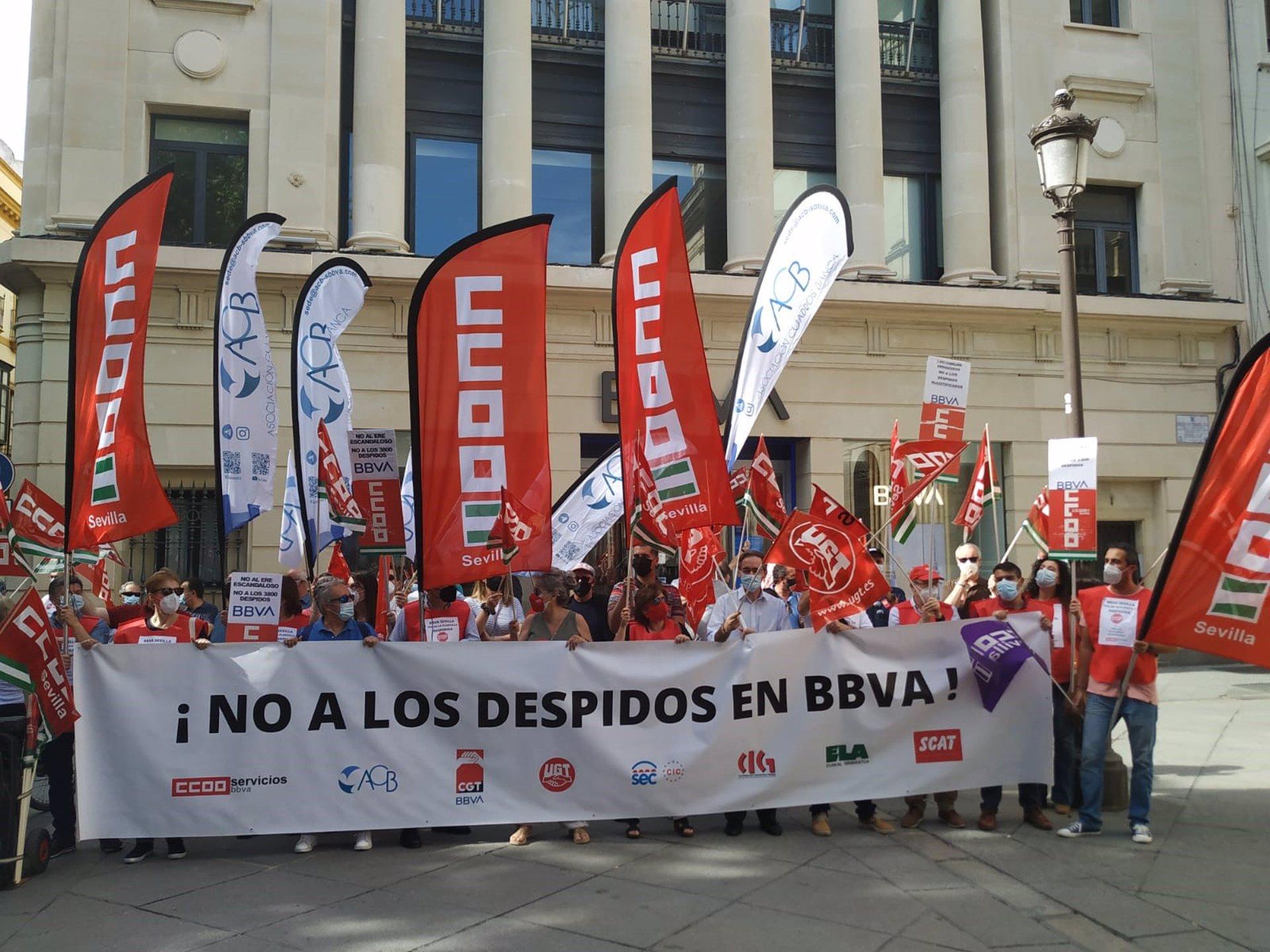 CCOO-A lamenta los 12.000 empleos perdidos en sector financiero andaluz desde 2008, «una cifra que puede subir a 15.000»