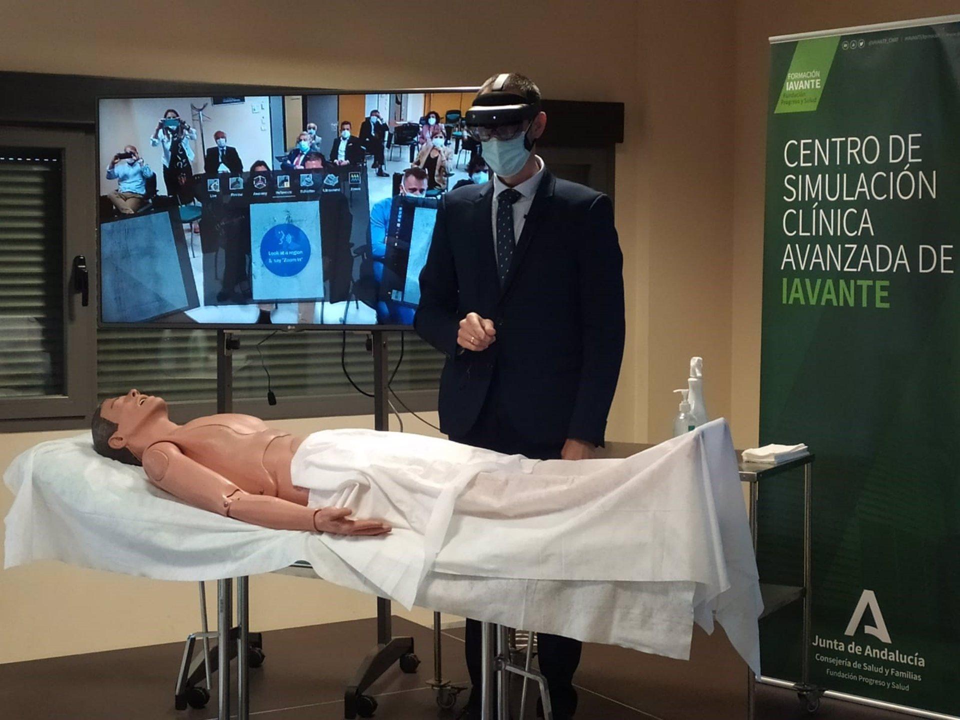 El centro de simulación clínica de Granada, «a la vanguardia» en realidad virtual aplicada a la sanidad