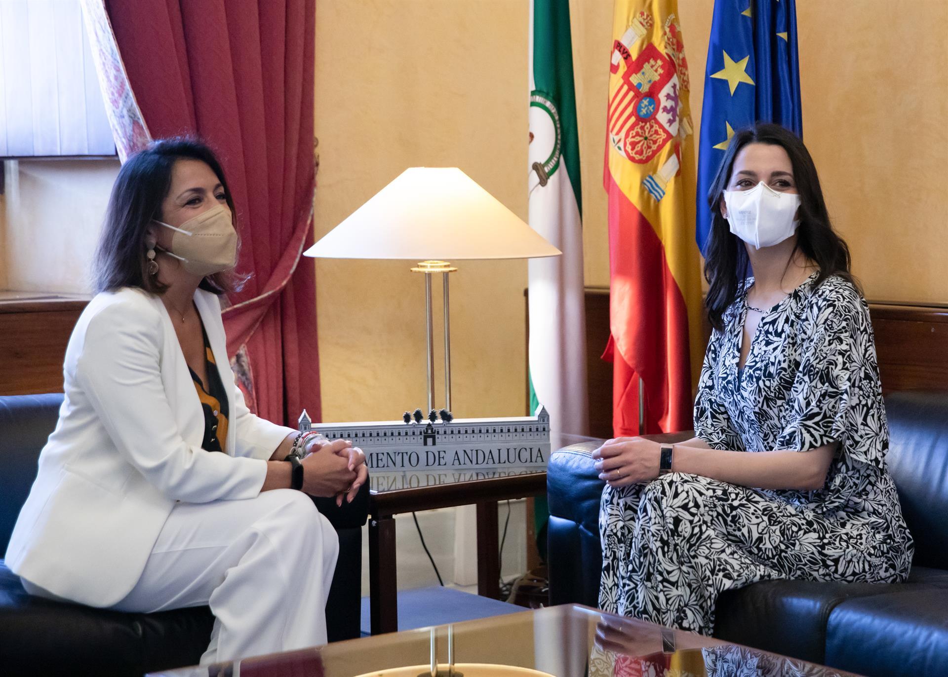 Arrimadas cierra la puerta a ceder a PP la Alcaldía: «Estamos en la responsabilidad de gobernar dos años más»