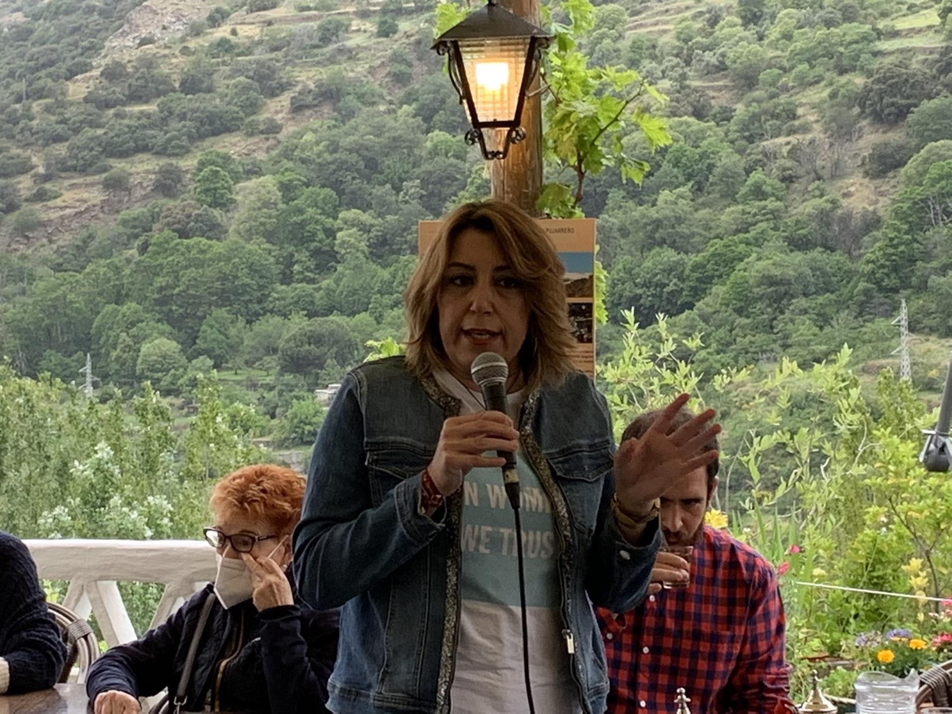 Susana Díaz lamenta dos años «en blanco» en el Ayuntamiento tras acuerdo de PP, Cs y Vox como «un bazar persa»