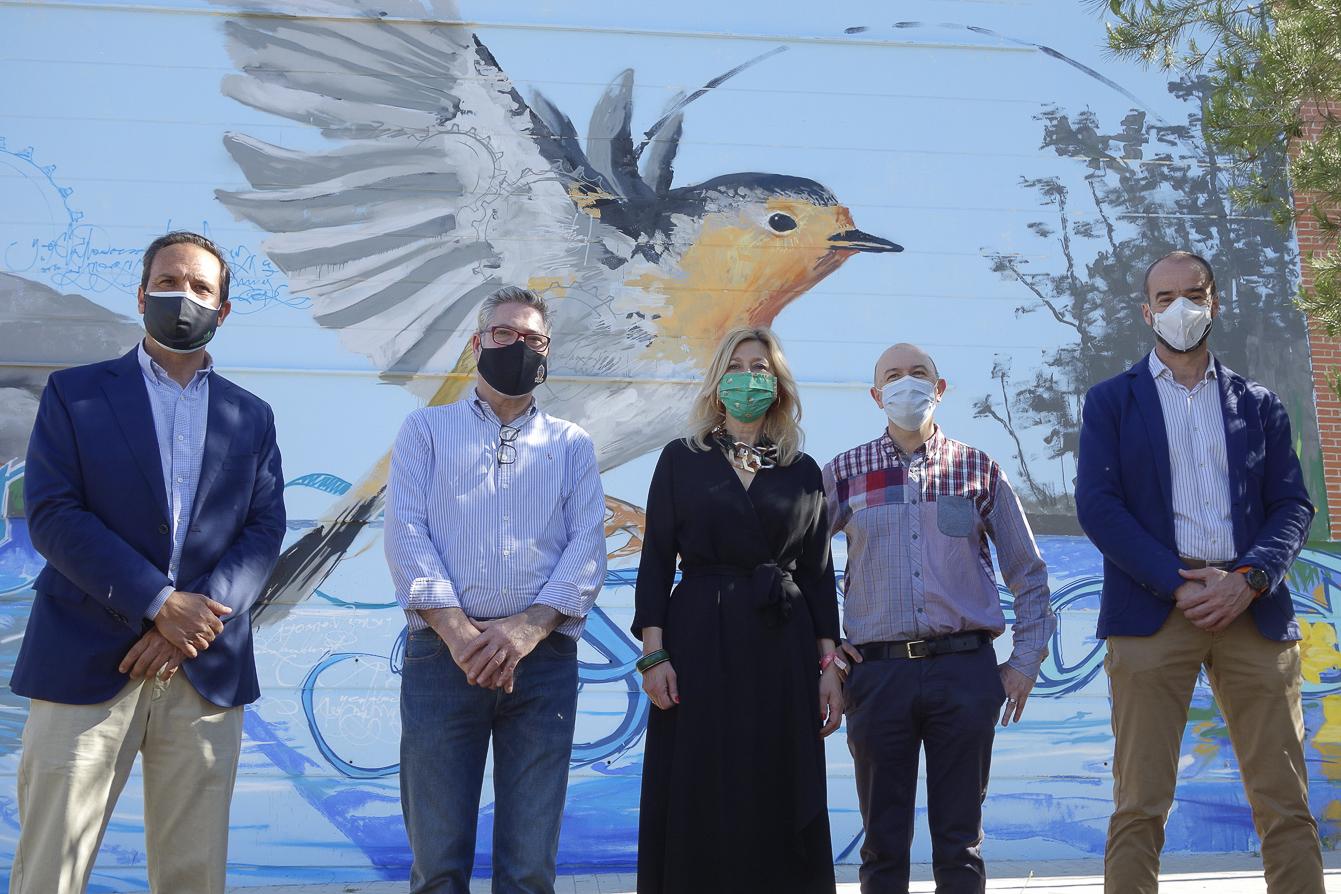 «El Niño de las Pinturas»  lleva su arte a la Zona Norte con un mural en la Residencia Fernando de los Ríos