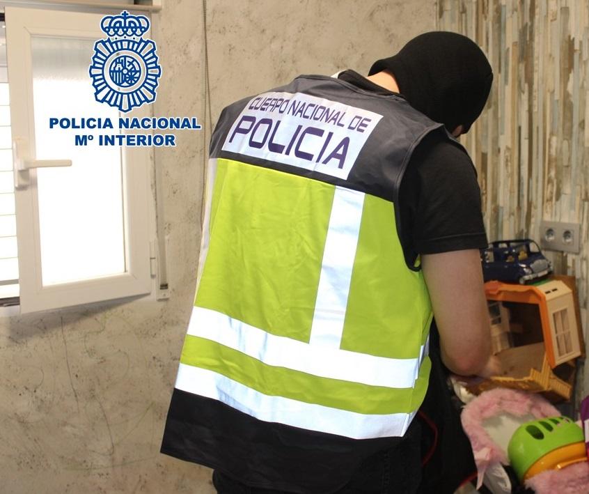 La «Operación Rave» de la Policía Nacional se salda con tres detenidos en la barriada de la Paz