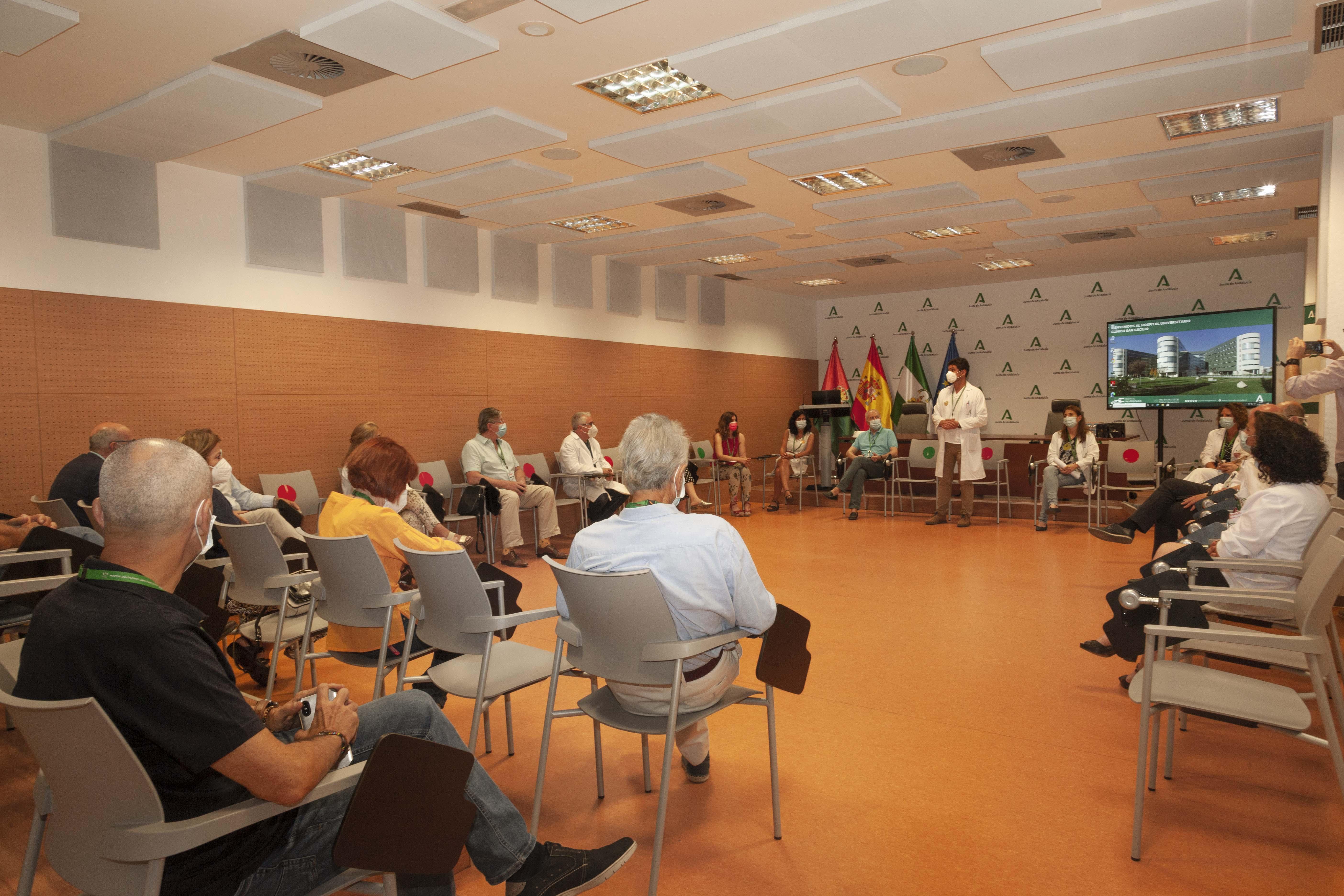 El Clínico reconoce la labor voluntaria de profesionales médicos jubilados en los casos COVID-19