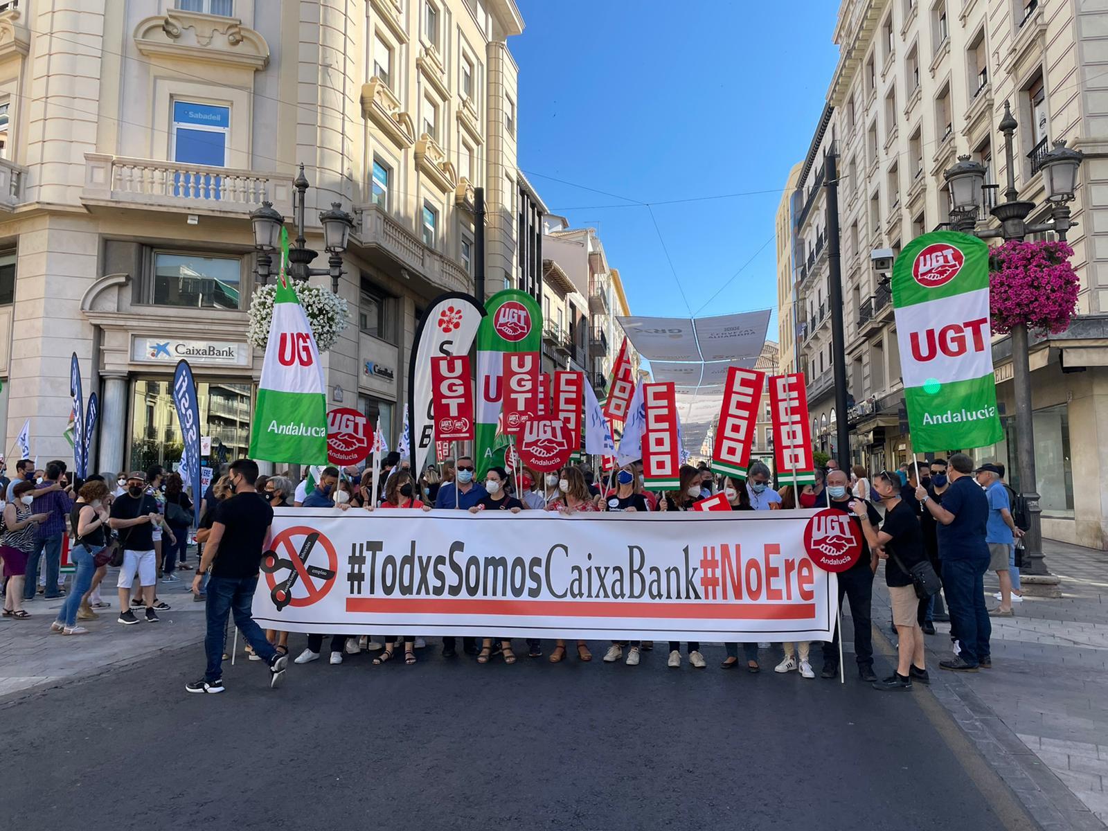 Segunda jornada de huelga en CaixaBank, ante la negativa del banco a eliminar los despidos forzosos
