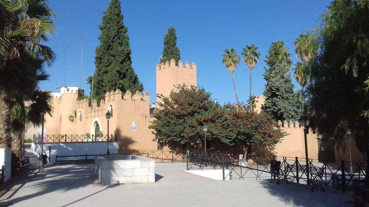 El entorno del castillo de Láchar se convertirá en isla ambiental para ganar espacio al peatón