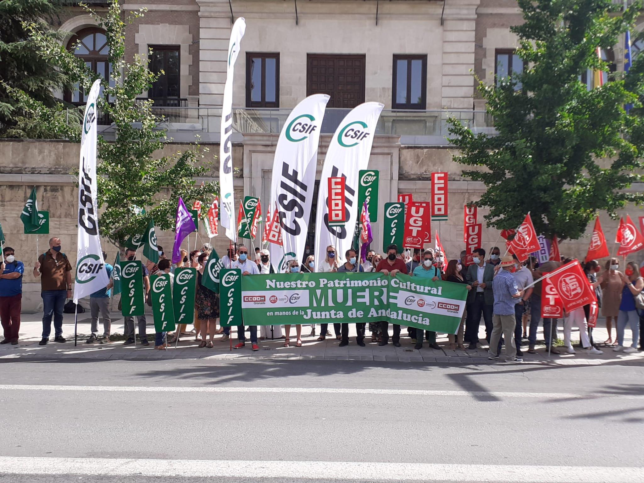 Continúan las protestas por la falta de personal en los centros de Cultura dependientes de la Junta de Andalucía