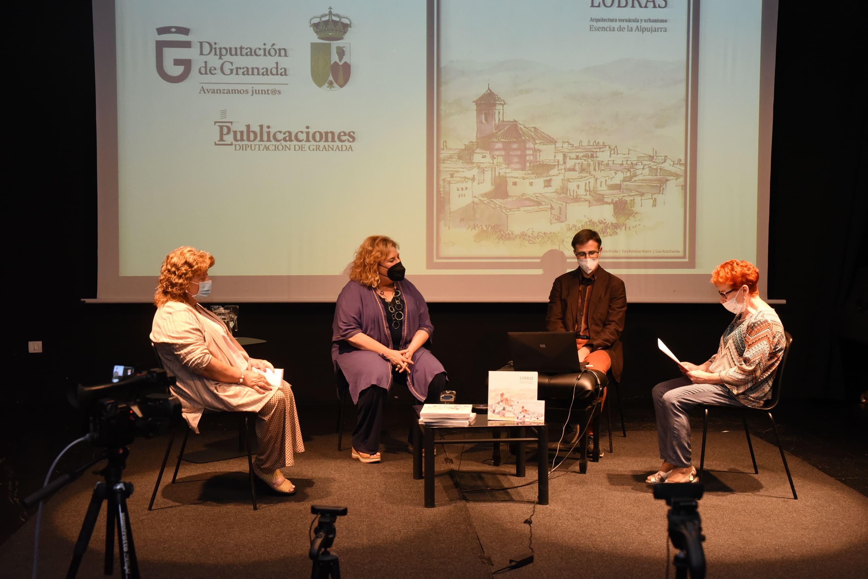 Un libro documenta y analiza el patrimonio urbanístico y arquitectónico de Lobras