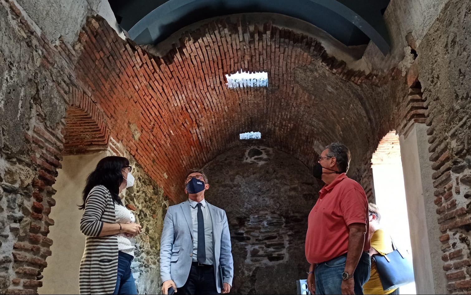 Invierten casi 90.000 euros en el centro de interpretación del cielo y en los baños árabes de Aldeire