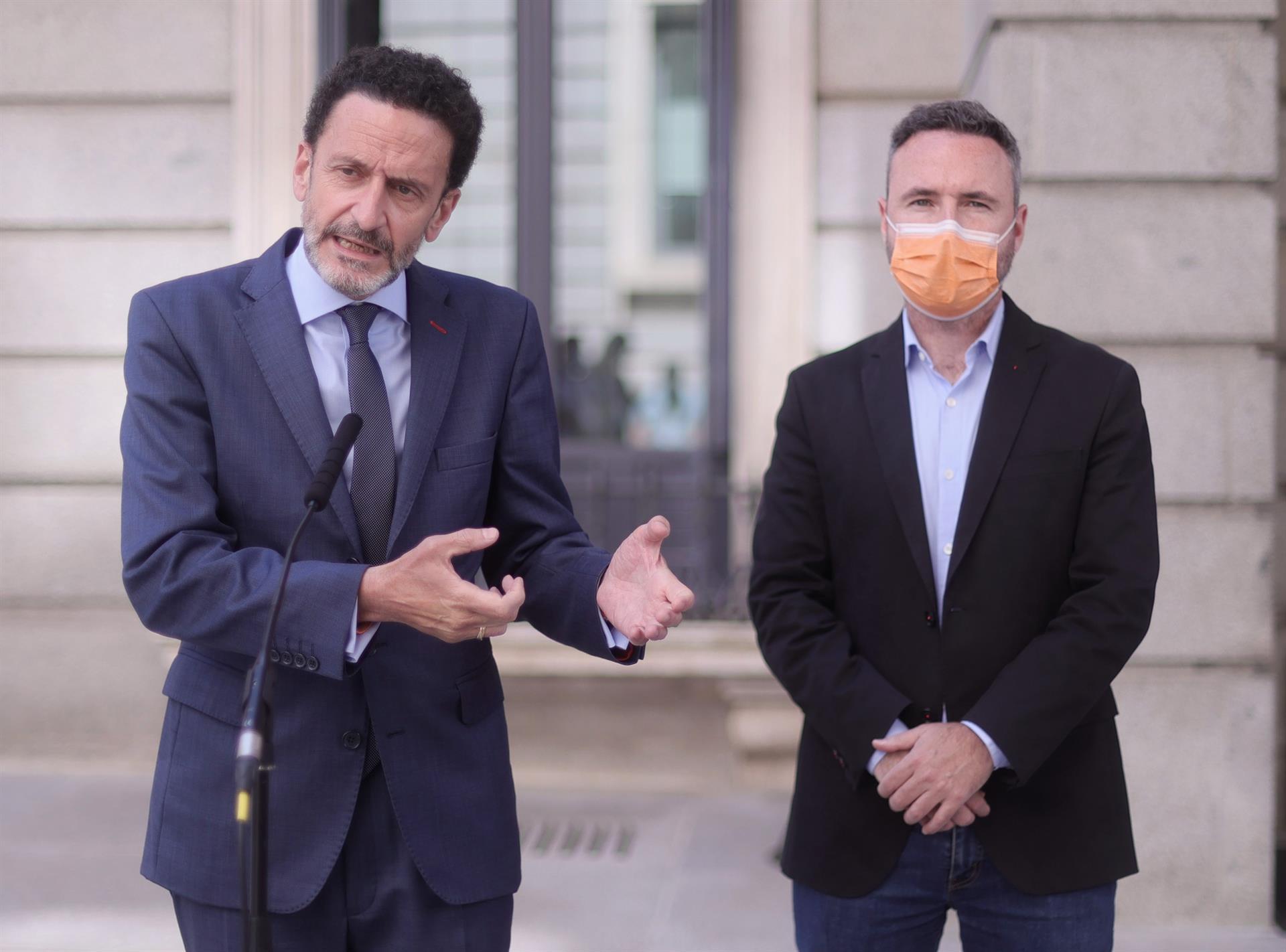 Bal (Cs) respalda al alcalde, culpa al PP local de la crisis y evita enfrentarse con Moreno o 'Génova'