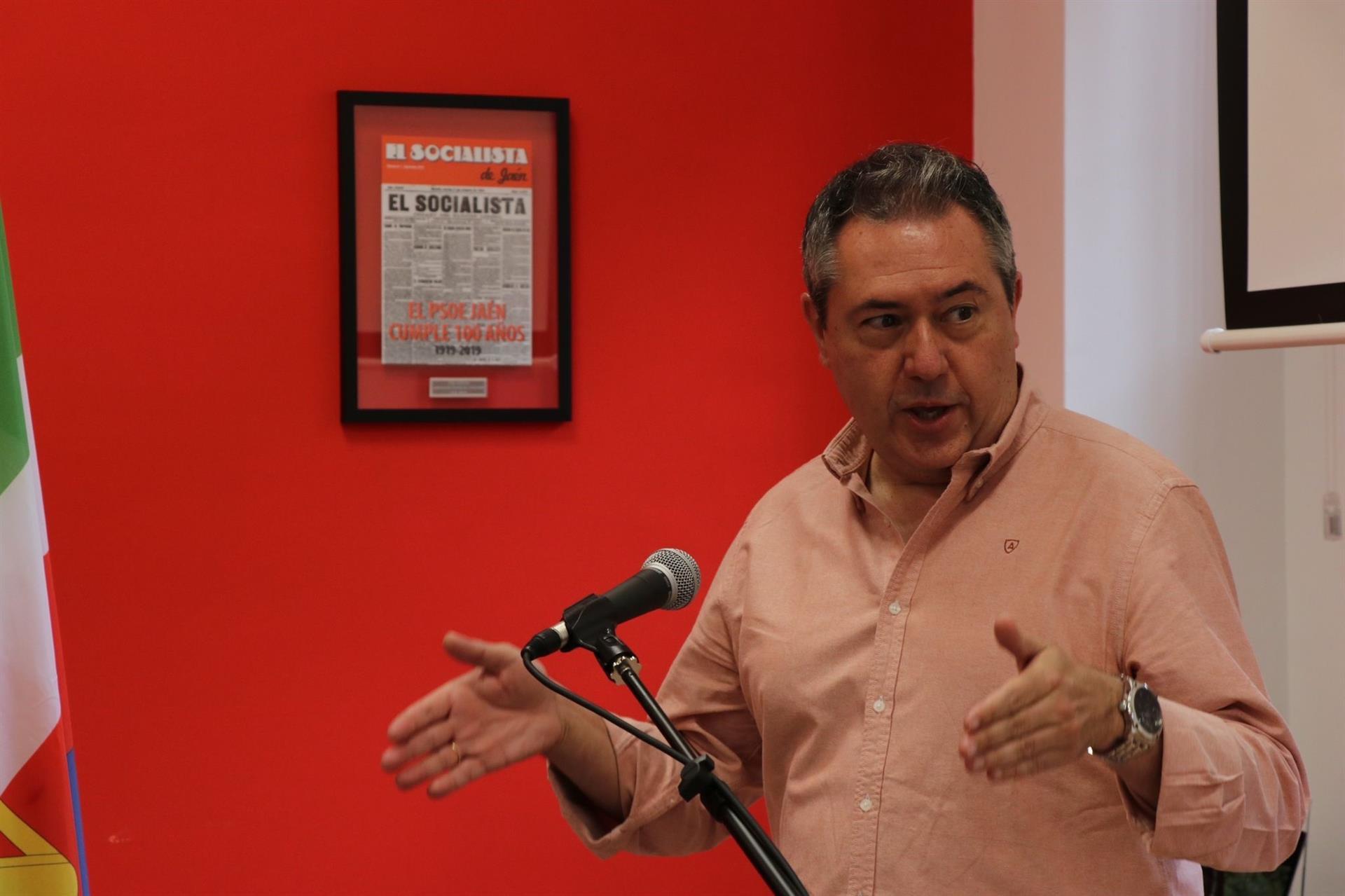 Espadas, «orgulloso» de tres años de Gobierno socialista, prevé que el PSOE volverá a ser «fuerte y unido» en Andalucía