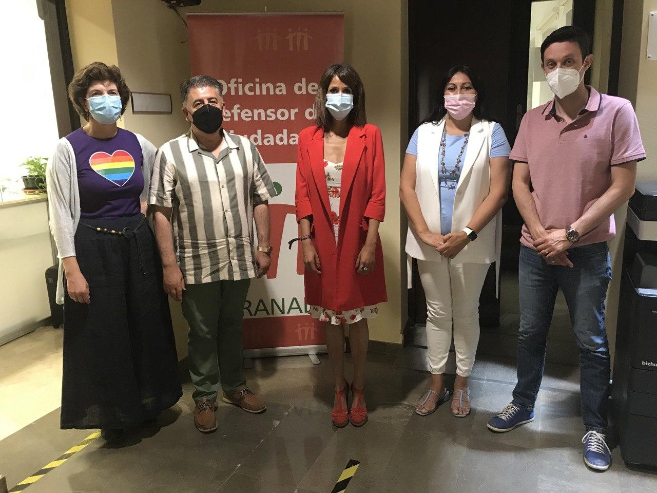Podemos se reúne con el Defensor del Ciudadano de Granada para buscar soluciones a los cortes de luz en la provincia