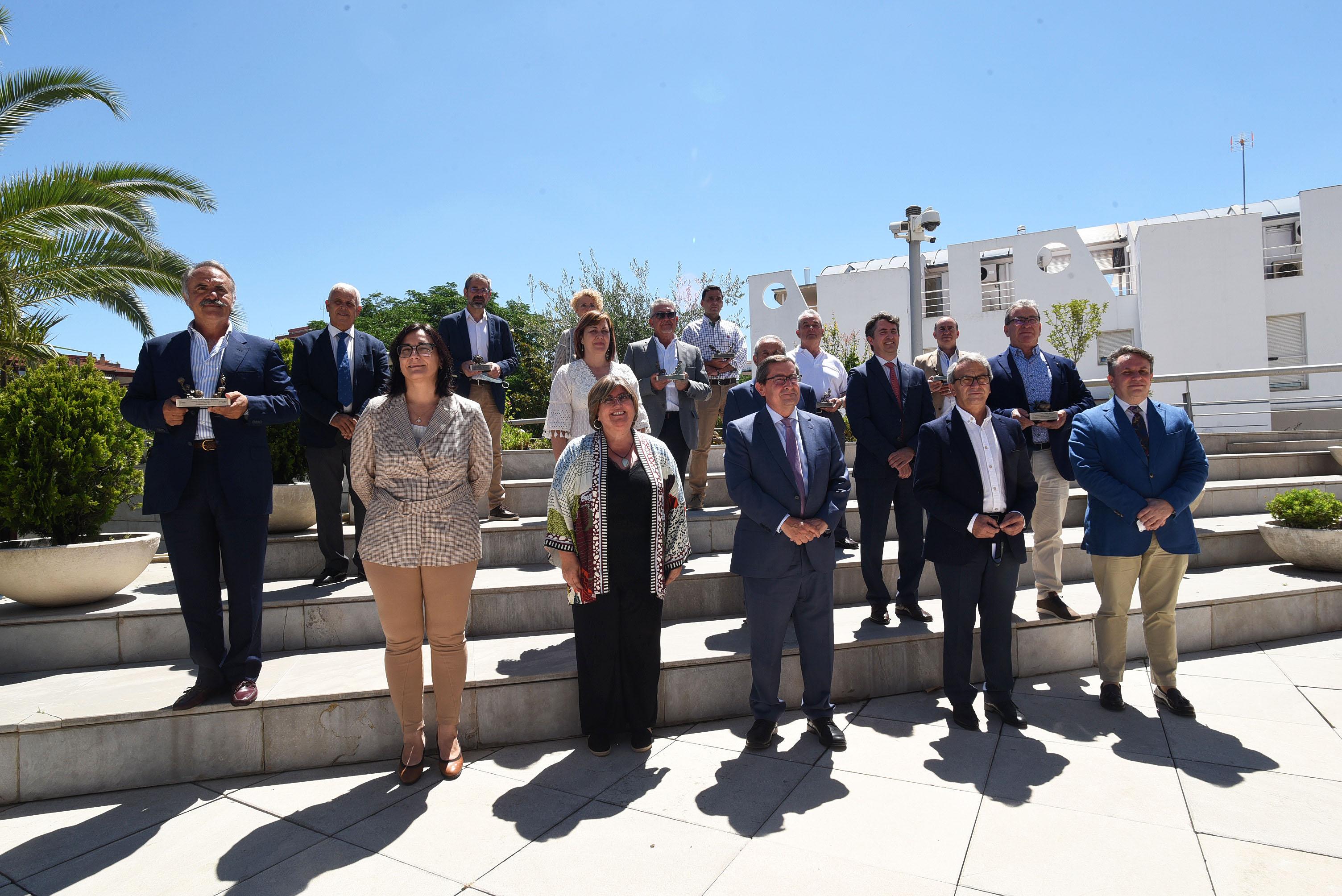 Diputación reconoce el trabajo del sector olivarero de la provincia con los premios a los mejores AOVE