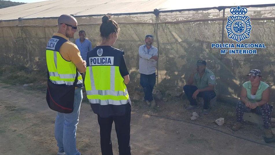 Detenidos cuatro Bolivianos por usar documentación de otros compatriotas para trabajar en actividades agrícolas