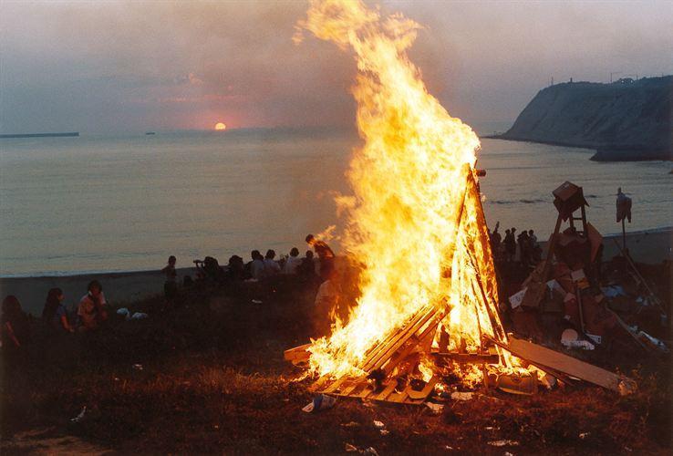 Los municipios de la costa acuerdan prohibir las hogueras, barbacoas, acampadas y botellones en San Juan