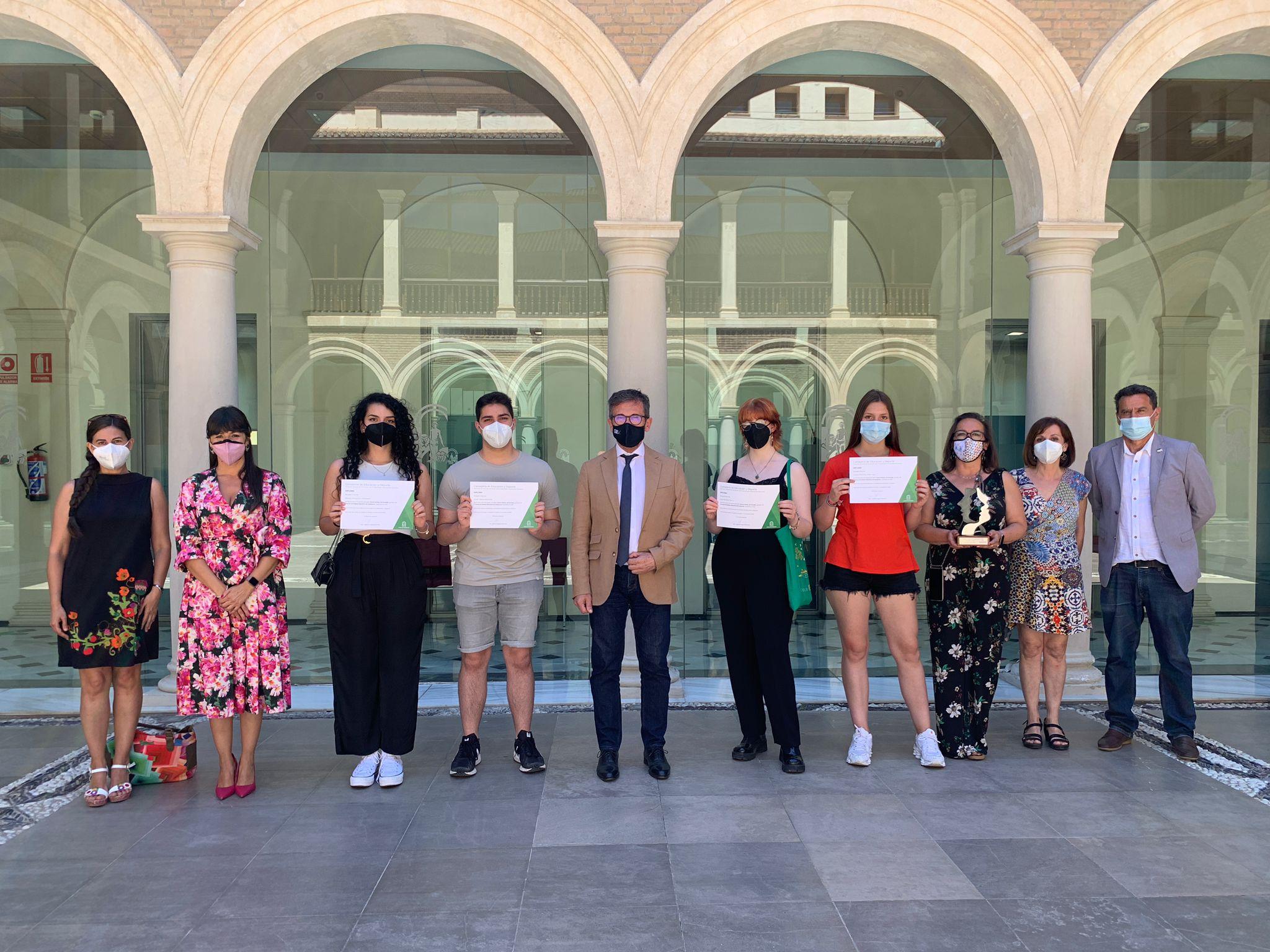 Educación felicita al alumnado del IES Severo Ochoa, ganador en el II Torneo de Debate Educativo