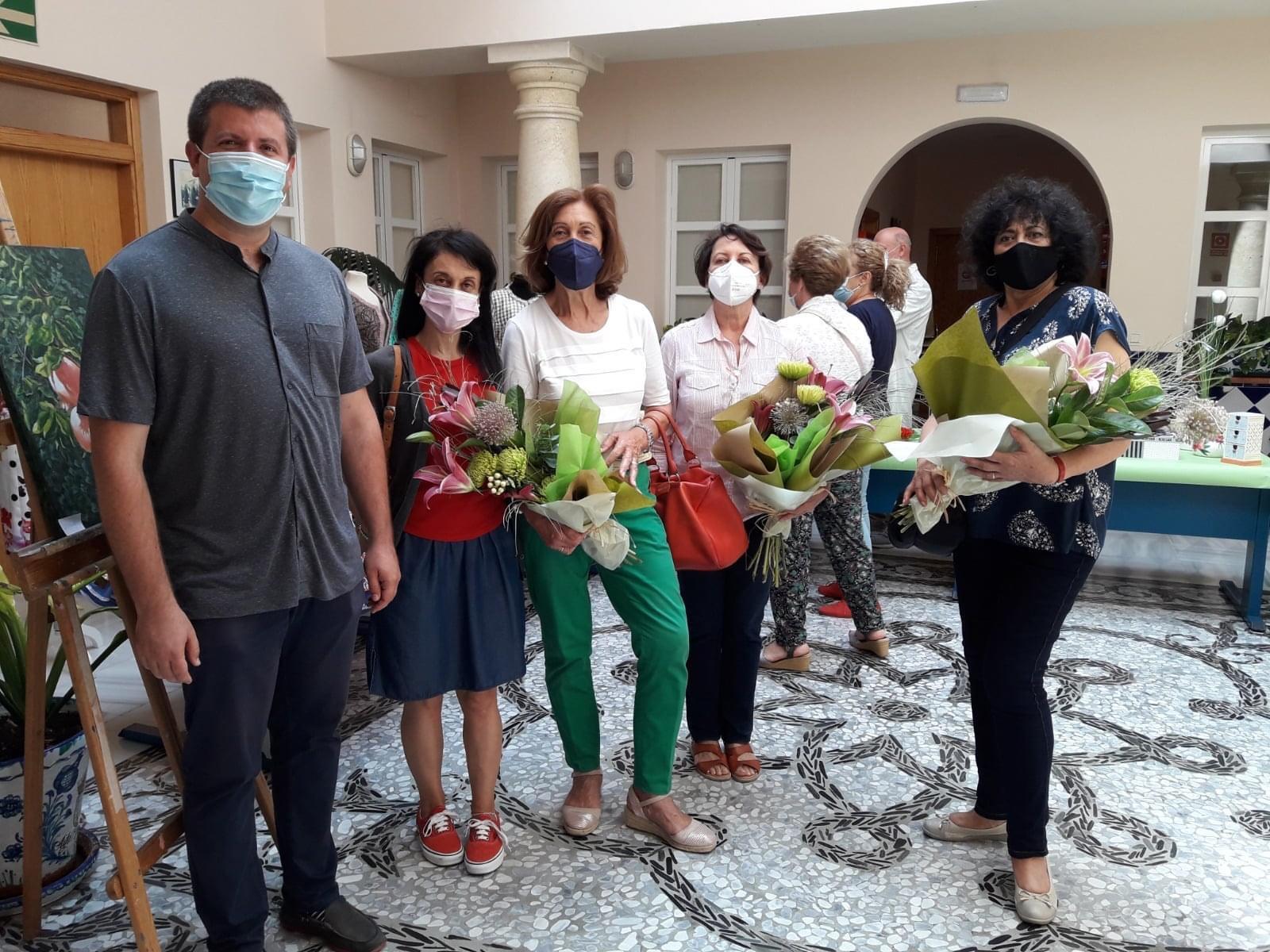 Monachil clausura sus talleres municipales con una gala y exposiciones en la Casa de la Cultura