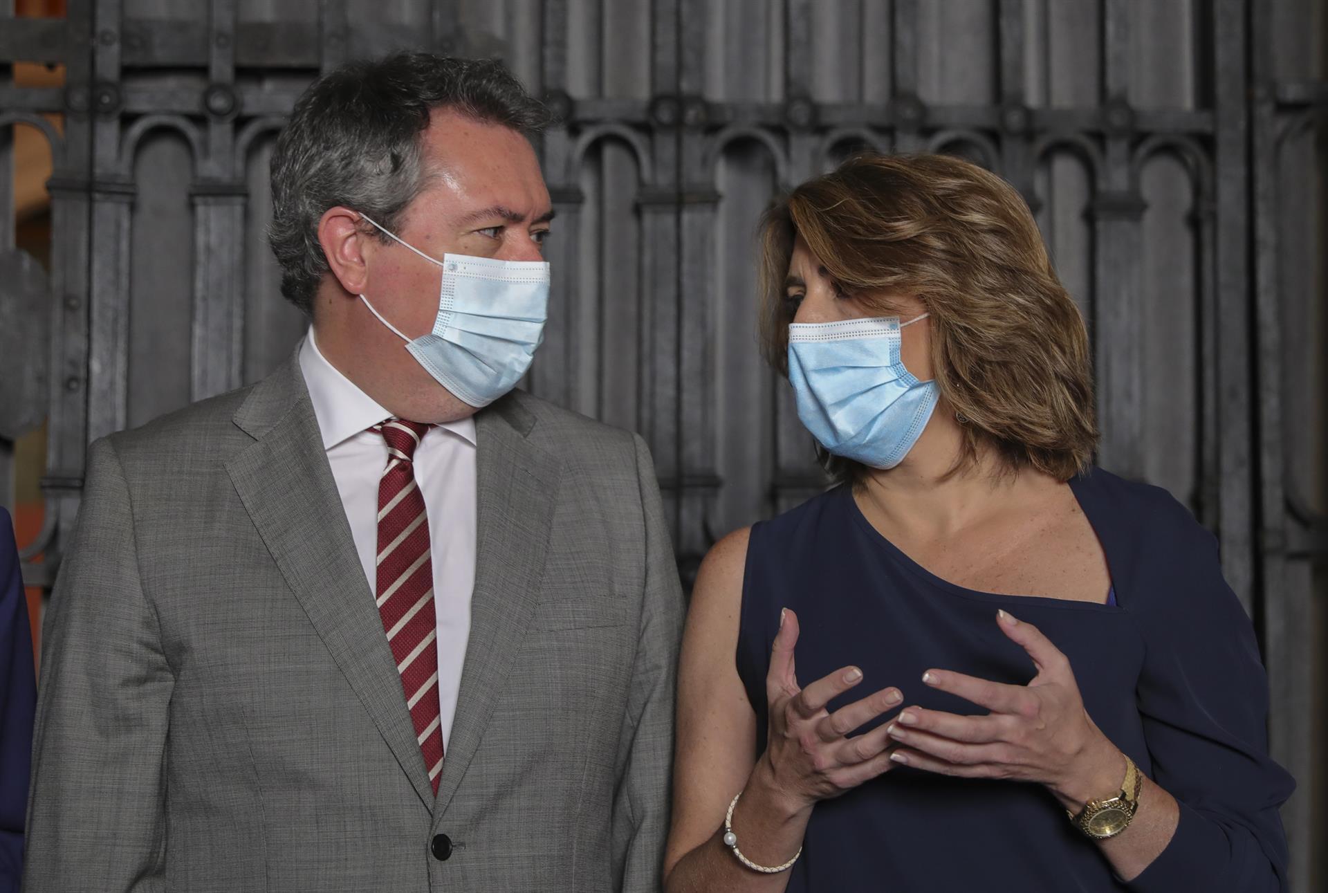Espadas ve «bastante próximo» un acuerdo con Susana Díaz sobre la «mejor fórmula» para renovar el liderazgo del PSOE-A