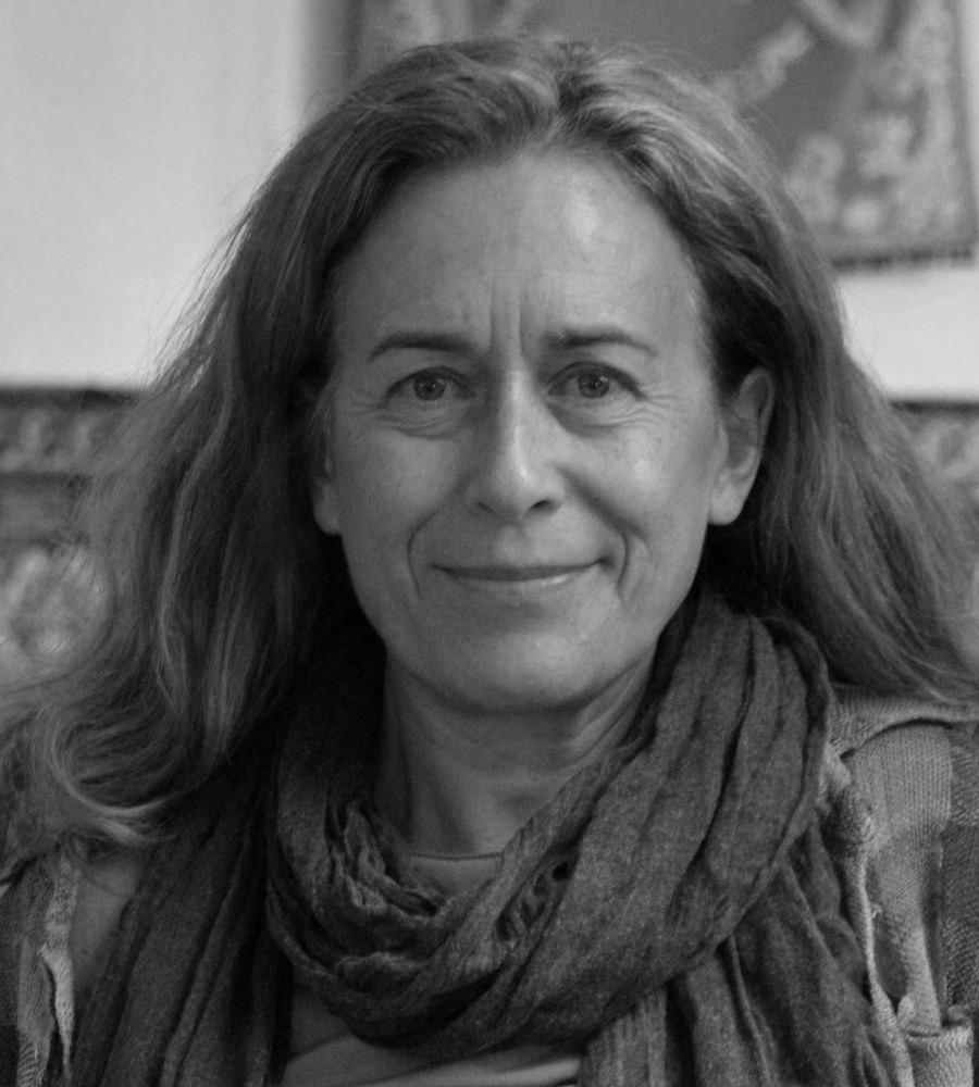 Margarita Robles Carrillo, profesora de Derecho Internacional Público y RRII de la UGR y experta en Ciberseguridad, nueva miembro del Observatorio de la Vida Militar