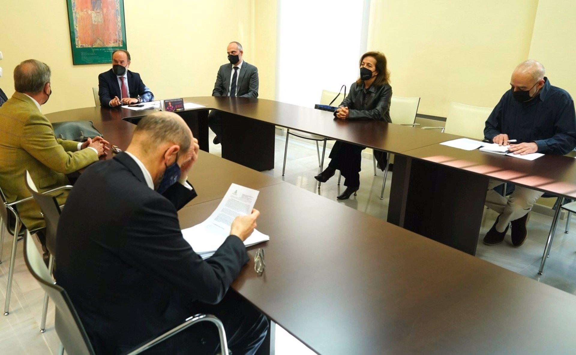 La abogacía pide a la Junta que apueste por el edificio del SEPE en Caleta para unificar juzgados