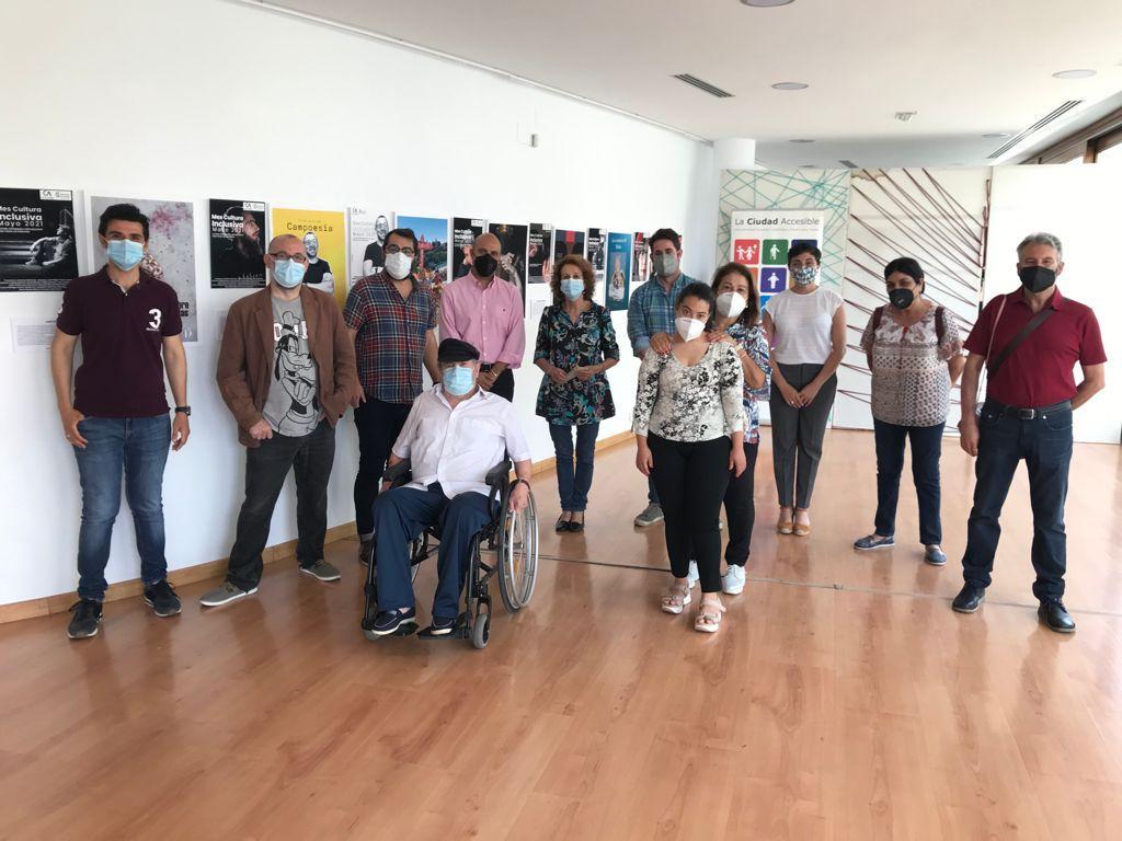 Otura acoge una exposición itinerante de artistas granadinos con discapacidad