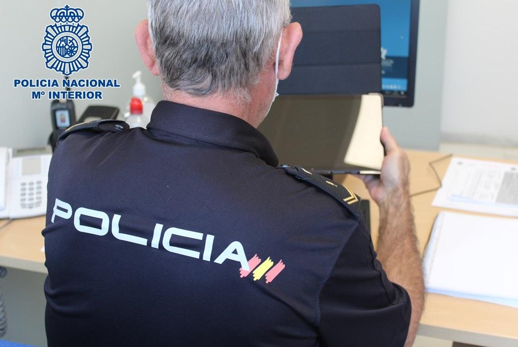 Detenido tras agredir a dos personas para sustraerles una tablet