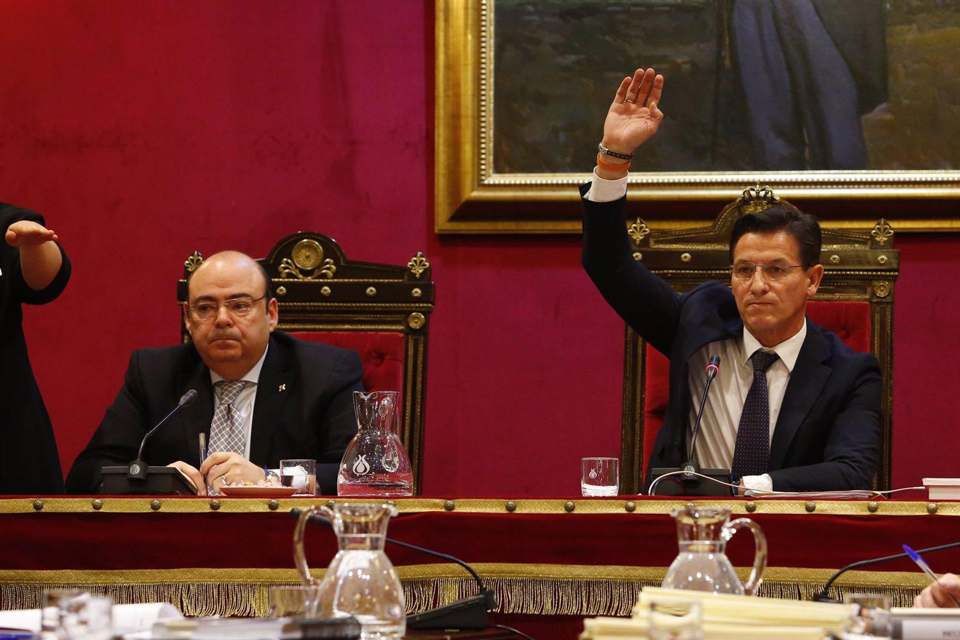 Sebastián Pérez responde a Arrimadas que el acuerdo de «dos más dos» lo adoptaron Salvador y él