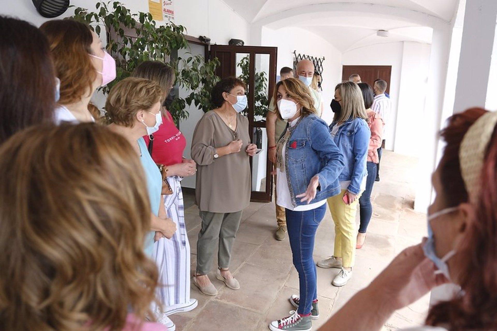 Susana Díaz pide «el mismo trato a los vecinos de ayuntamientos y las ELA» en servicios públicos, planes y financiación