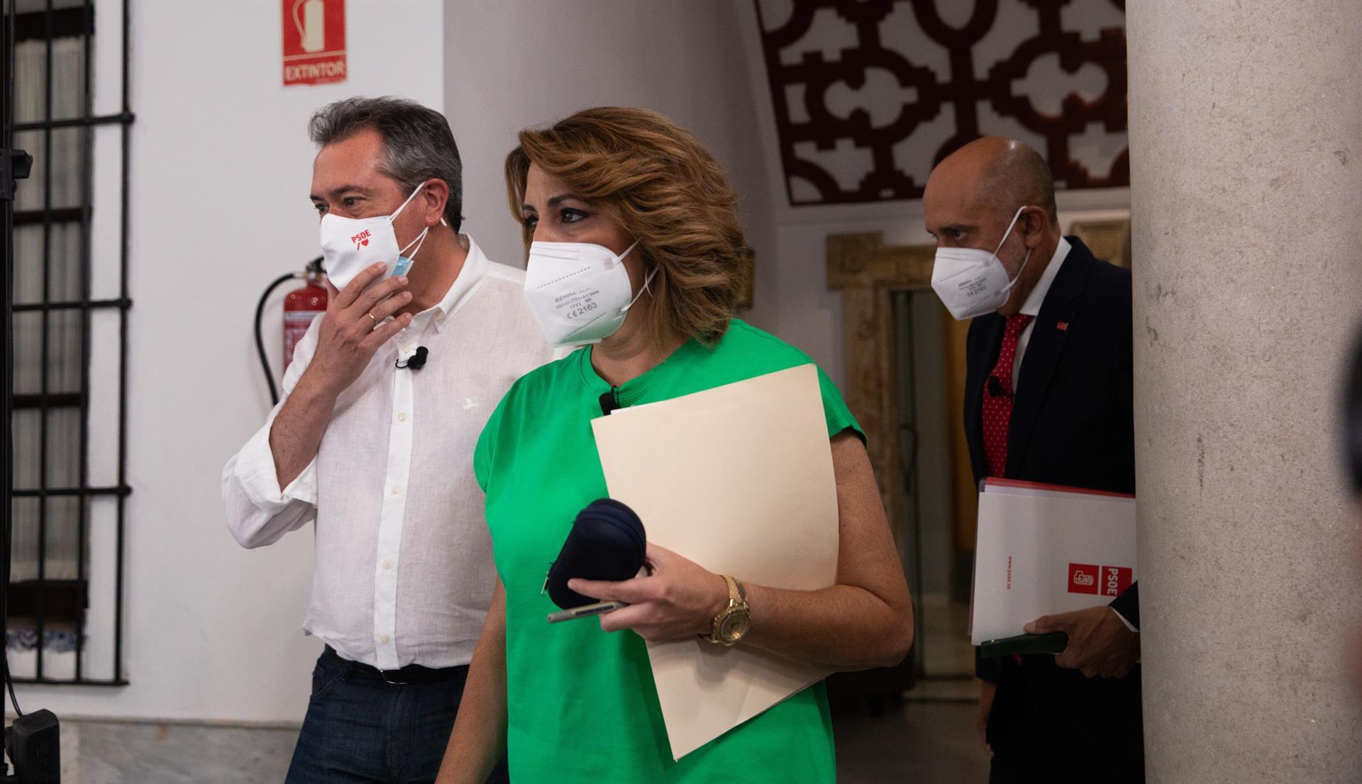 El 49% de los votantes del PSOE-A prefiere a Espadas como candidato a la Junta y el 43% a Susana Díaz, según un sondeo