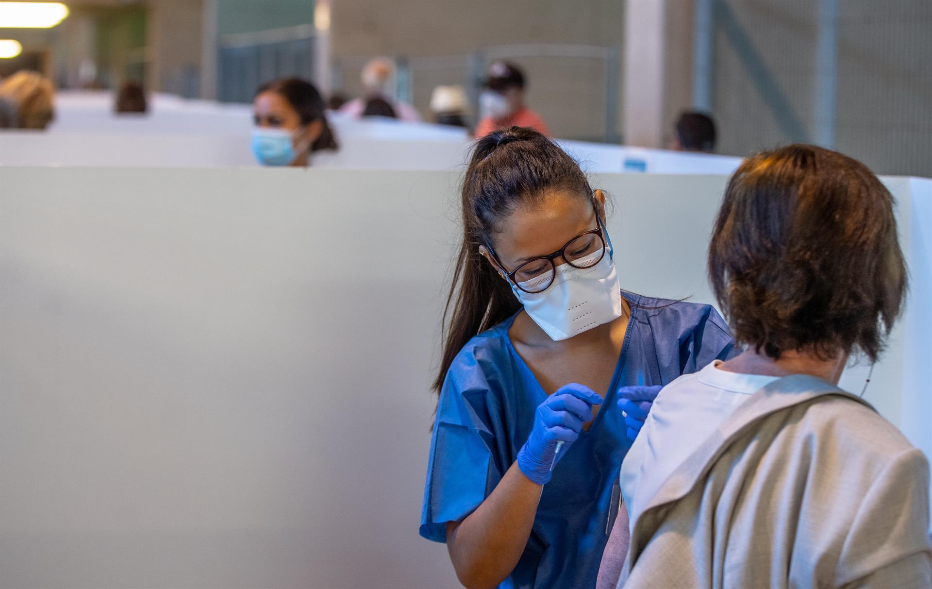 Andalucía alcanza nuevo récord con 747.000 vacunas puestas esta semana, 88.500 más que la anterior marca
