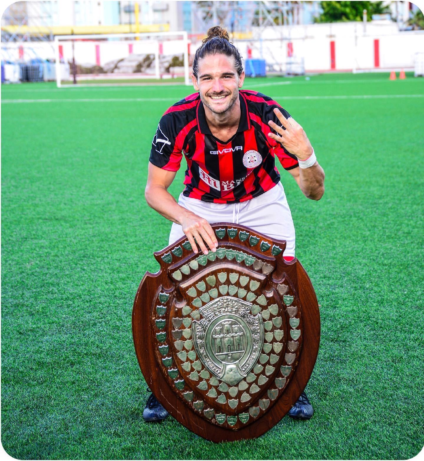 """Alex Moreno, (futbolista): """"Los años y las experiencias hacen que el valor de las cosas esté en continuo movimiento"""""""