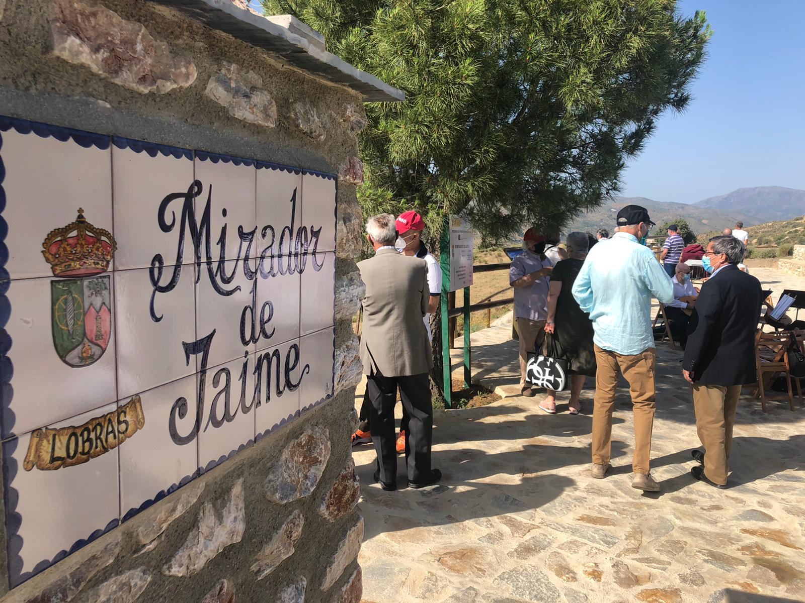Lobras estrena un nuevo mirador para reforzar su oferta turística