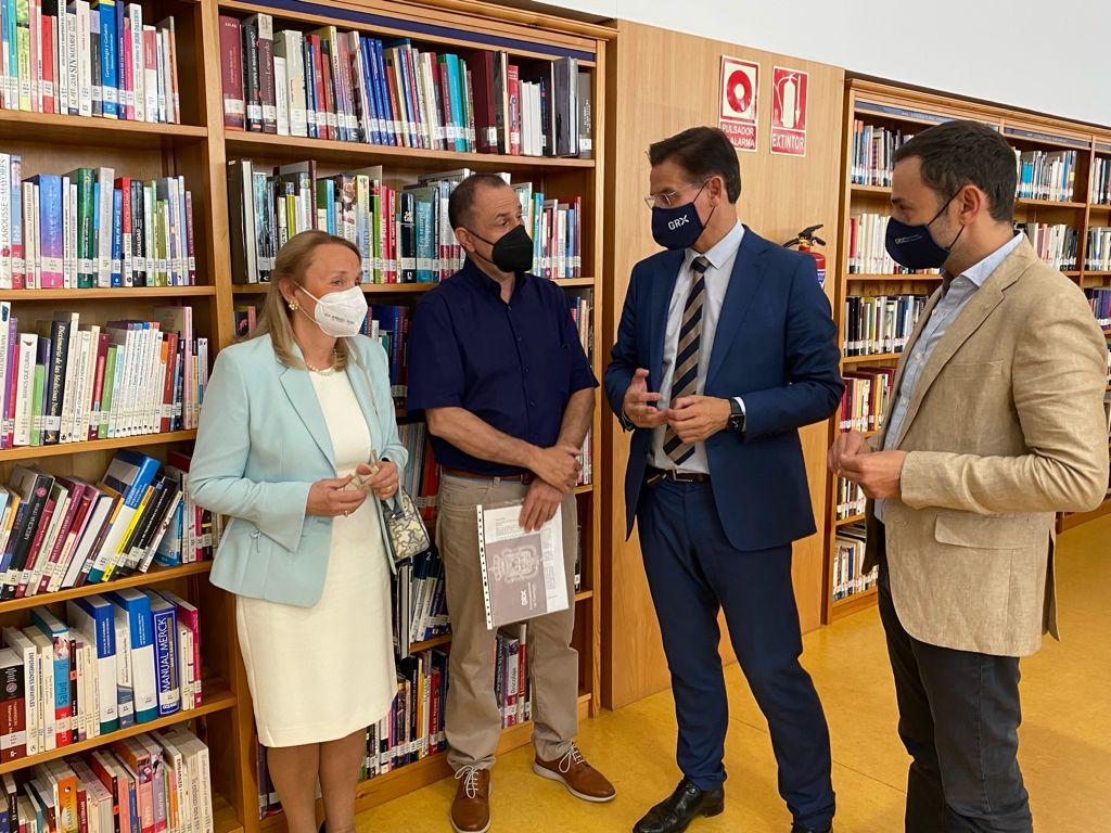 La biblioteca Francisco Ayala cumple diez años en el Zaidín con más de un millón de visitas