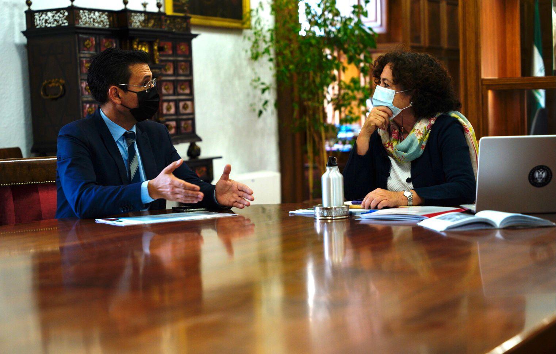 Cuenca continúa su ronda de contactos con los agentes sociales ante la inestabilidad del gobierno municipal