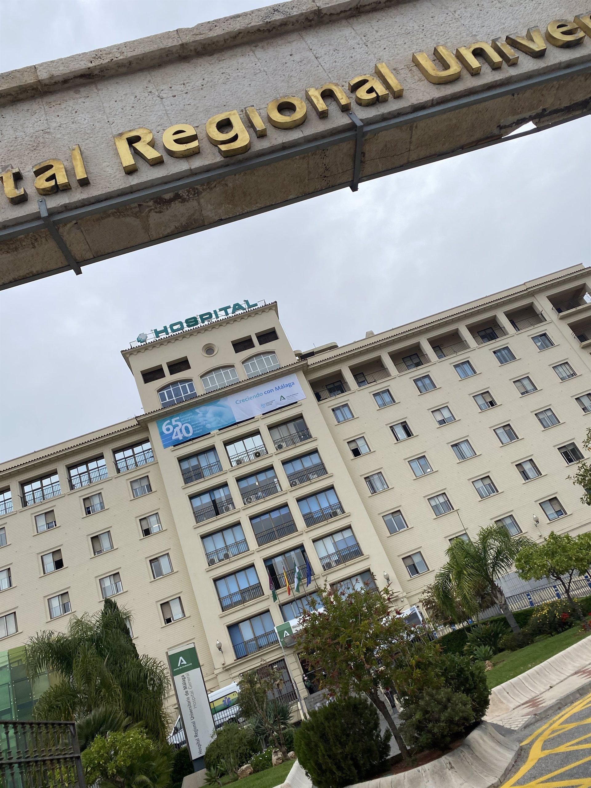 Andalucía sube 36 hospitalizados hasta 703, pero los de UCI caen nueve hasta 141, cifra más baja en ocho meses