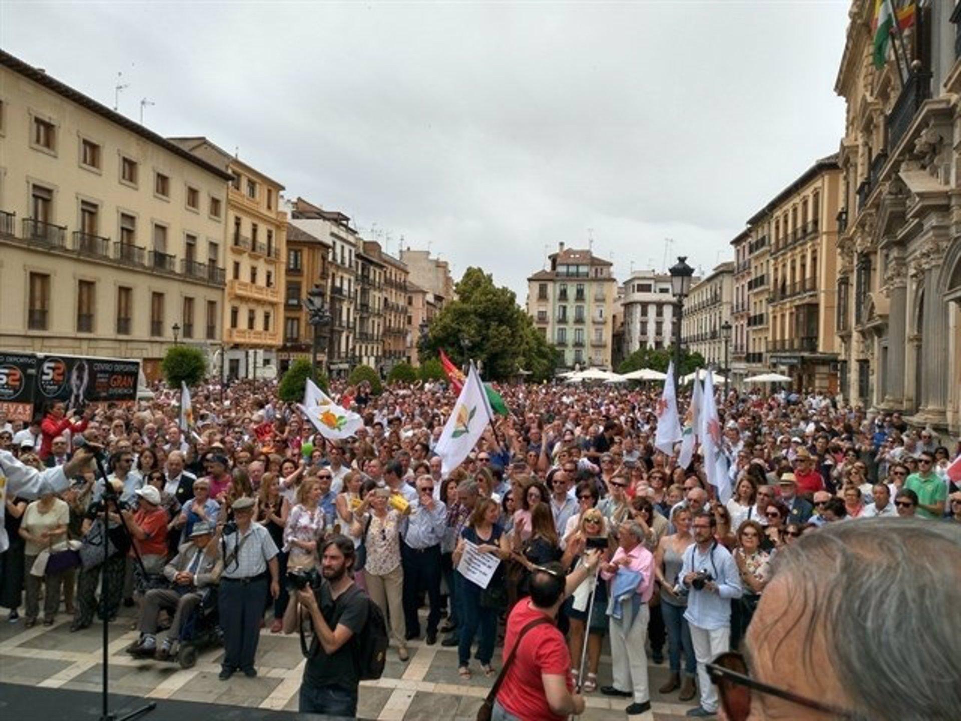 Convocada una concentración frente al Ayuntamiento por «un gobierno municipal digno»