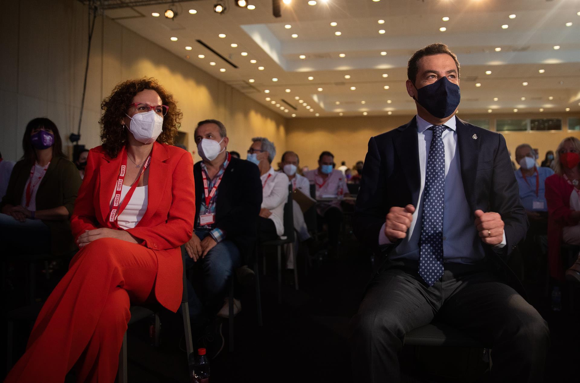 Moreno anuncia que se prevé la inmunidad del 70% de la población diana andaluza en la segunda semana de julio