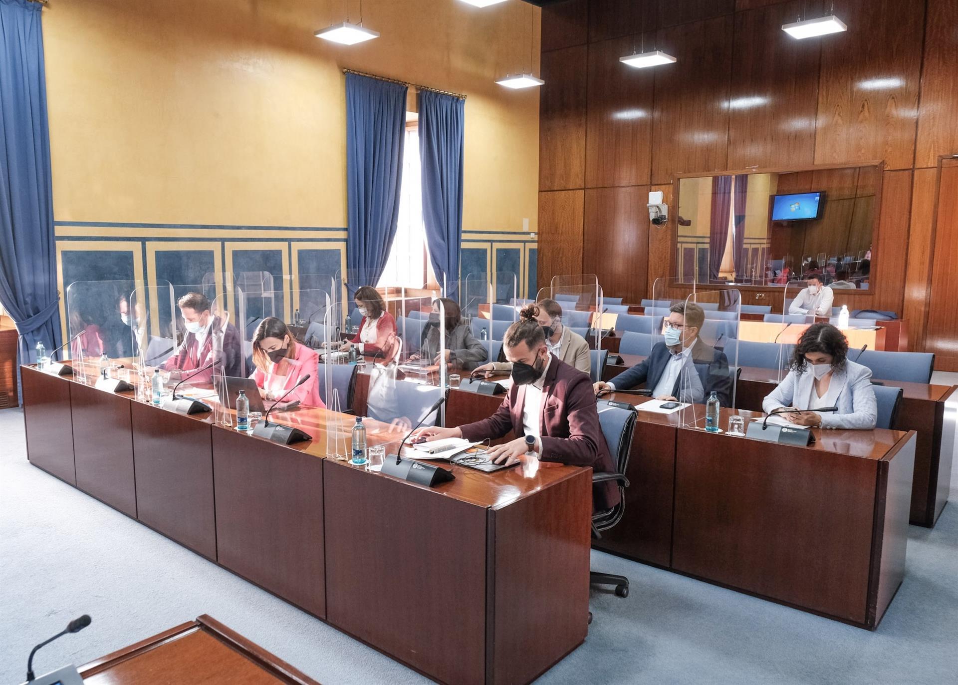 La comisión de la Faffe reanuda este viernes su actividad con la comparecencia de representantes de UGT y Ustea