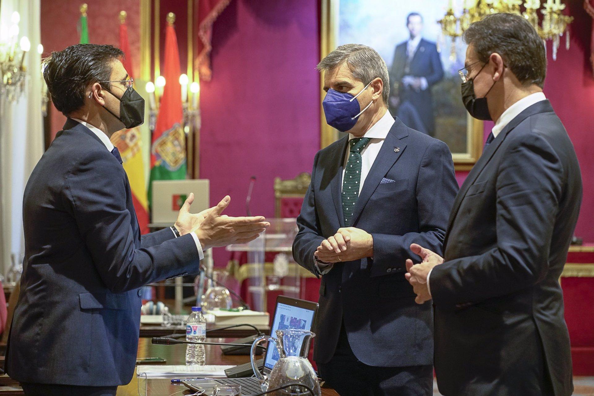 Cuenca cree que el PP «no está en condiciones de poner líneas rojas» y le insta a «sumar»