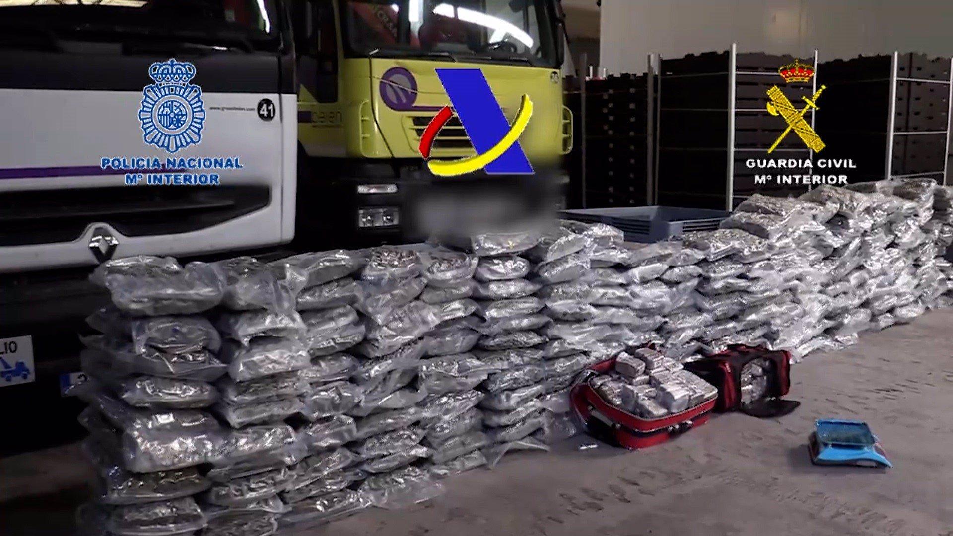 Desarticulada una organización criminal que iba a distribuir 12 toneladas de hachís en narcolanchas
