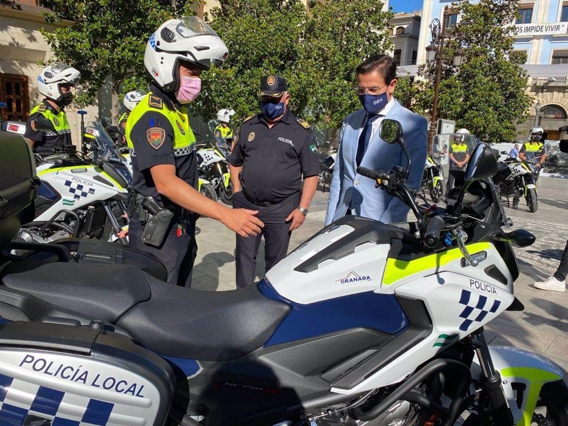 El Ayuntamiento de Granada incorpora diez motocicletas al parque móvil de la Policía Local