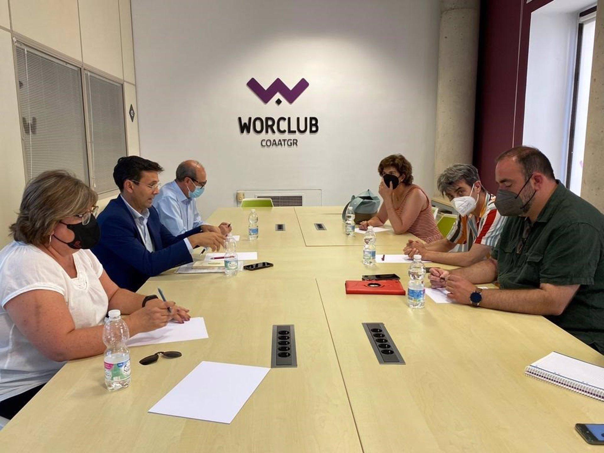 El PSOE y Unidas Podemos buscan «alternativas» por si el alcalde no dimite