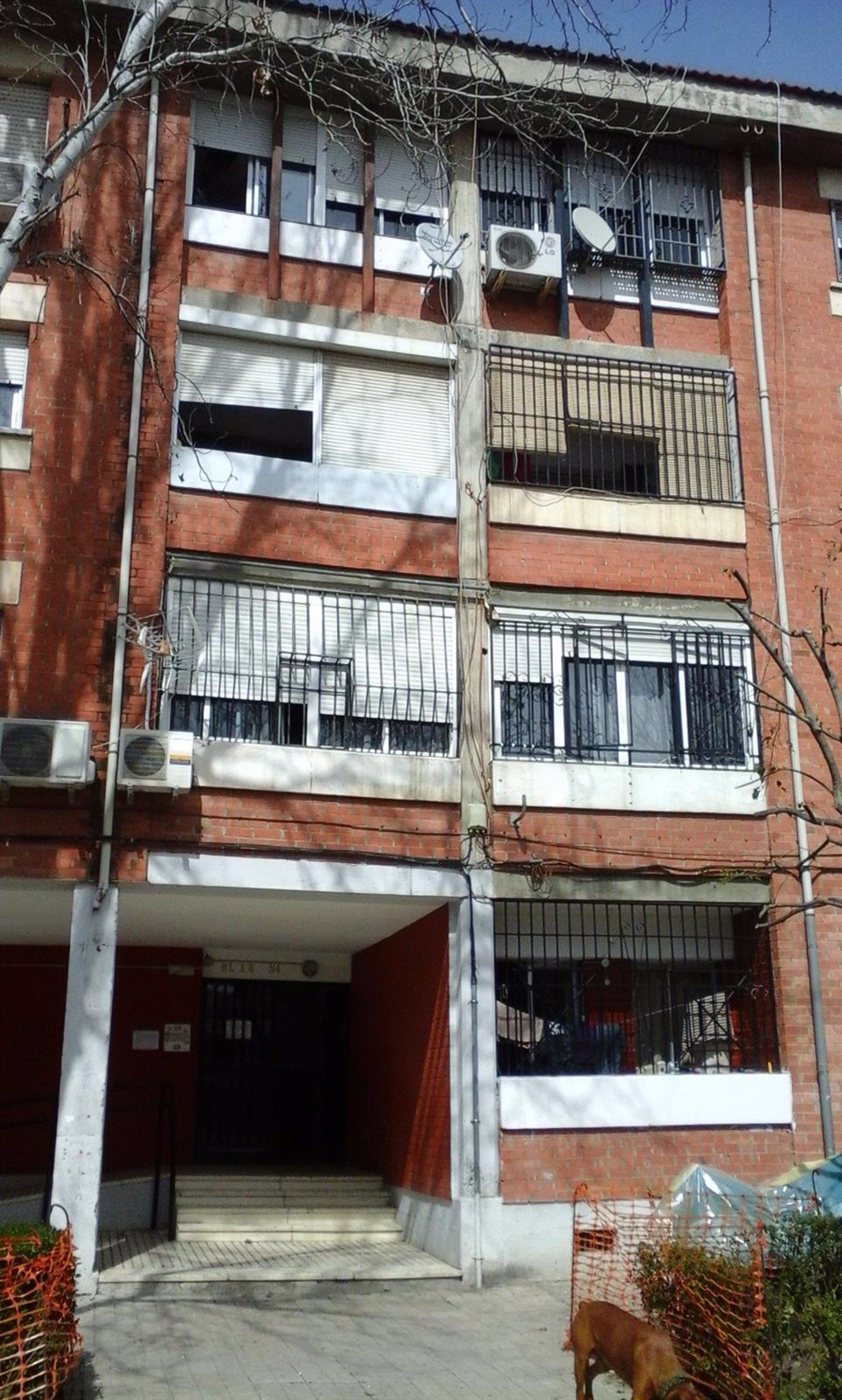La Junta instalará ascensores en dos bloques de viviendas de la avenida Joaquina Eguaras