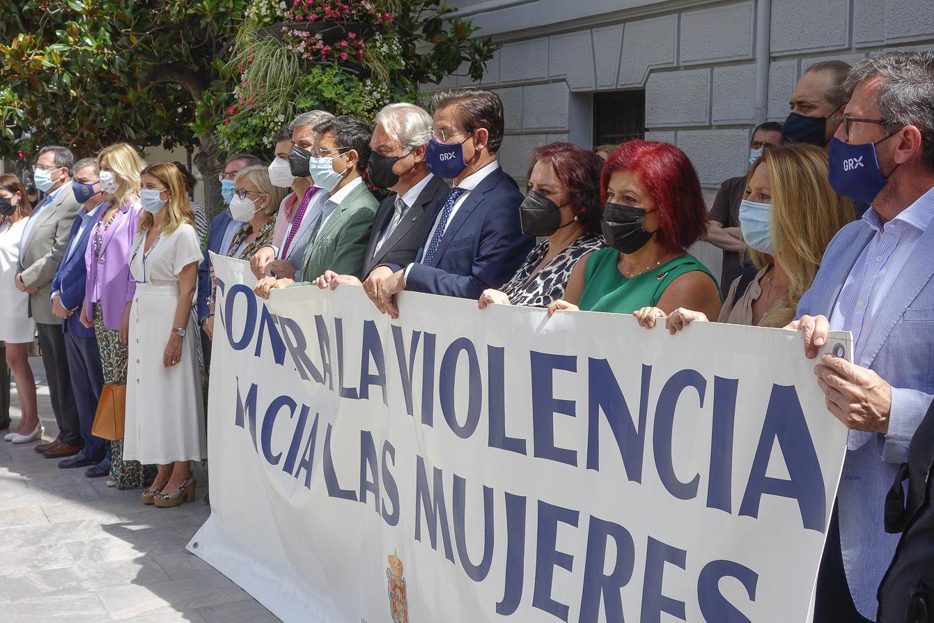 Minuto de silencio en la Plaza del Carmen para condenar la violencia machista