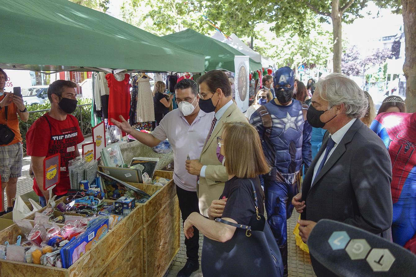 700 comercios participan en la feria «Stocks Fuera» del Zaidín