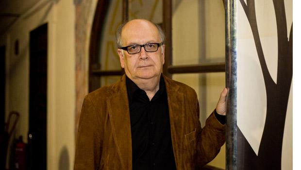 El profesor emérito Álvaro Salvador Jofré, Premio Internacional de Poesía Dama de Baza