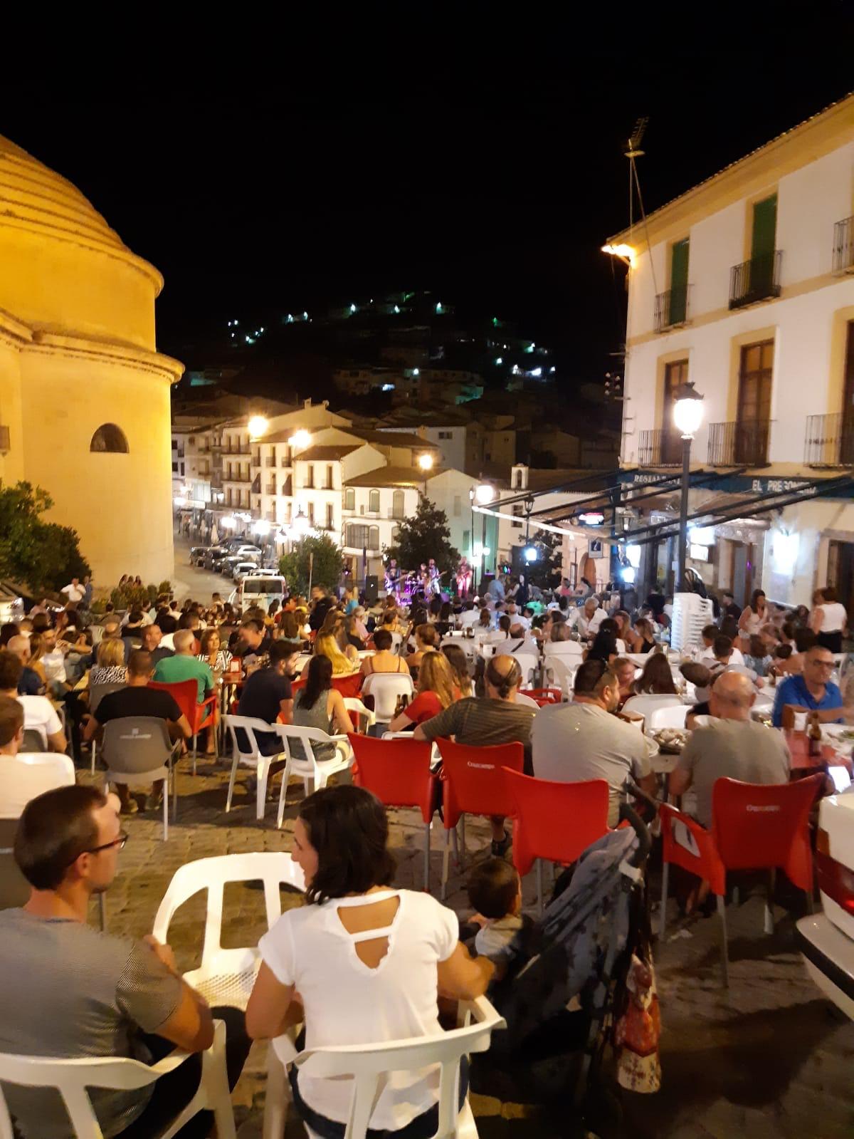 Montefrío apuesta por la cultura segura con conciertos gratuitos nocturnos 'enmitatika' de sus calles y plazas
