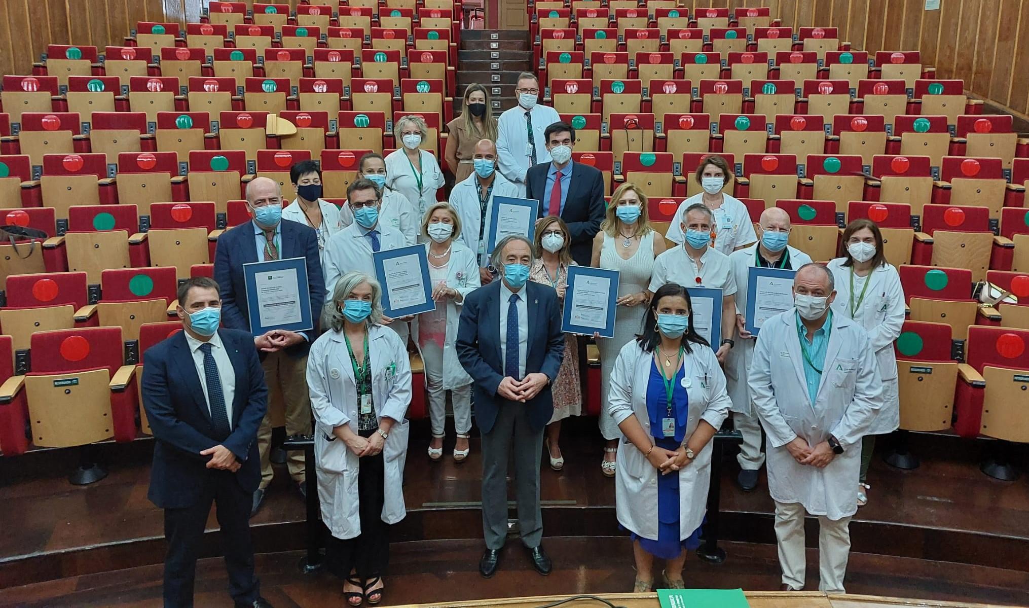 El Hospital Virgen de las Nieves consigue la certificación de calidad para seis de sus unidades