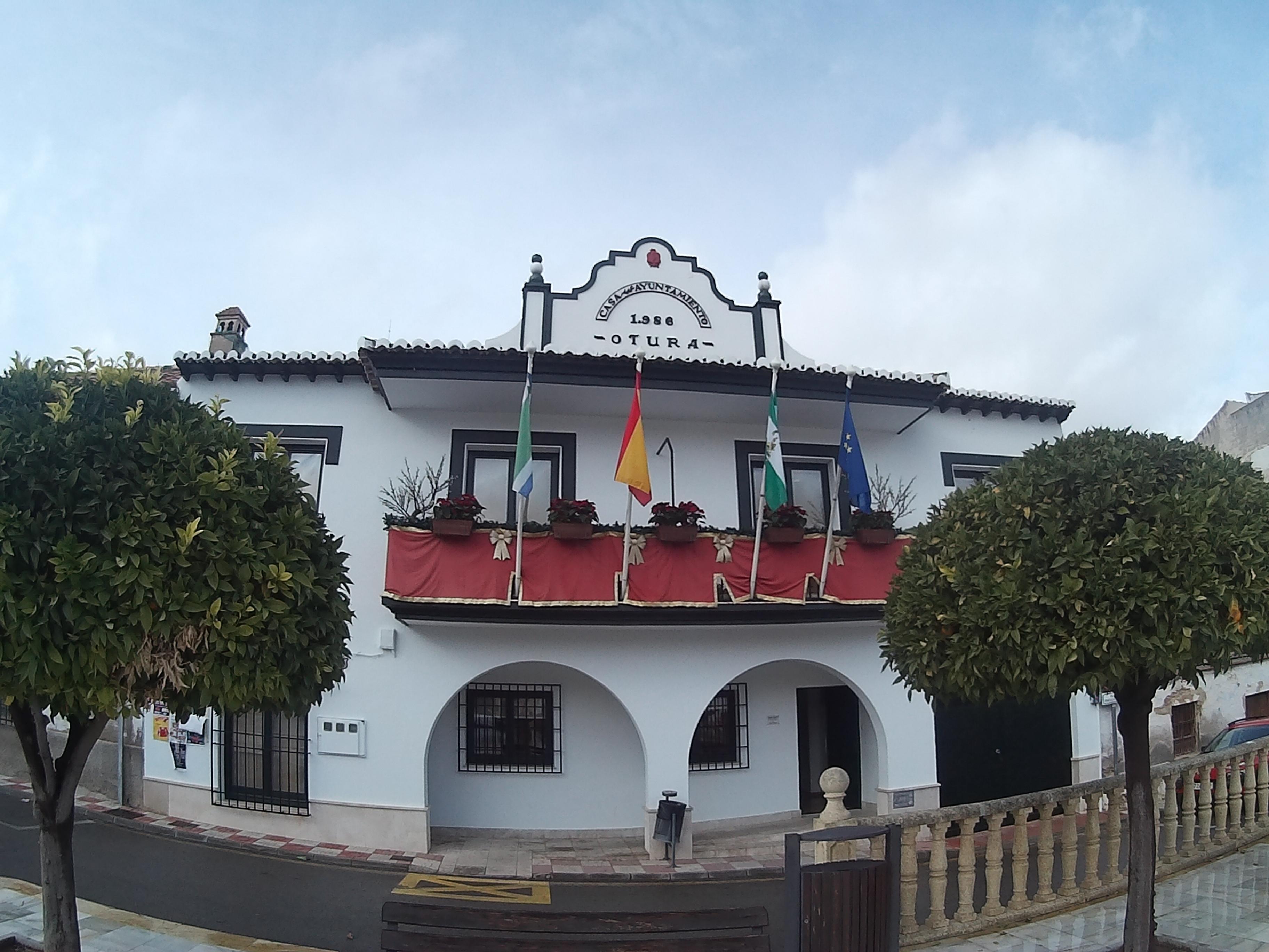 El Ayuntamiento de Otura refinancia deudas de la época del PP por valor de 13,8 millones de euros