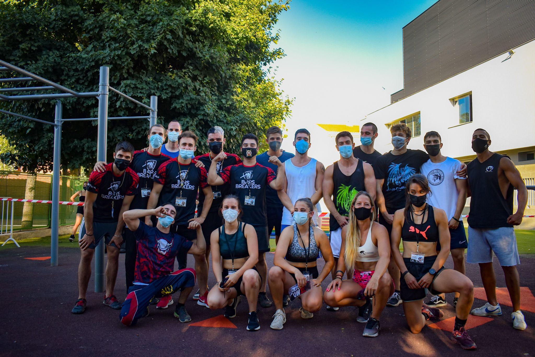 Deportistas de distintas provincias participan en el primer Campeonato de Calistenia de Vegas del Genil