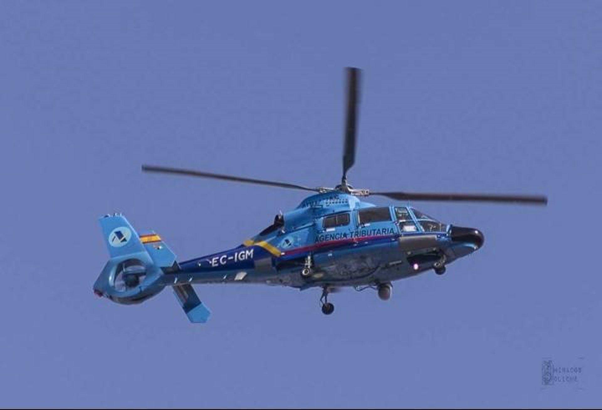 Muere una persona y otras dos resultan heridas tras caer al mar su helicóptero en persecución con narcos